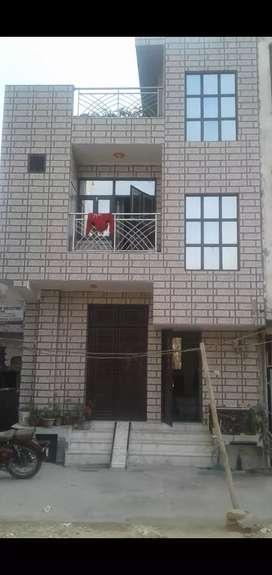 50yards floor sell near dwarka metro station pillar no. 817