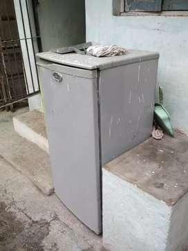 Wirpool fridge in working