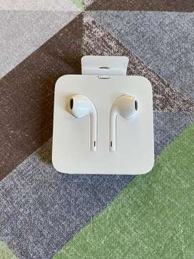 Apple Earpods Fully new not even used