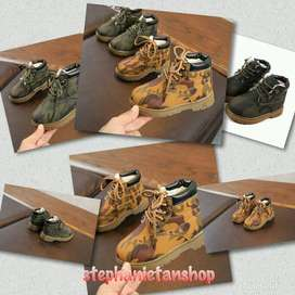 IC13-three colors kids unisex army looks boots
