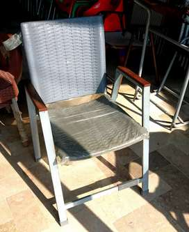 Metal Frame Plastic Chair