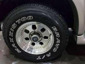 Toyota surf tyres maxxis AT 16 inch size can fit any jeep 4x4