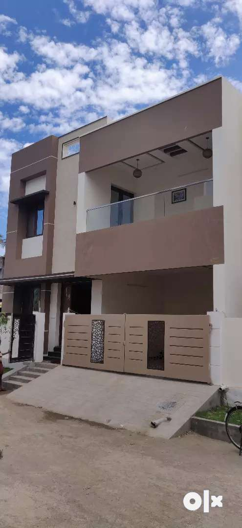 1.75 croe luxury bangalow sale in Vadavalli 0