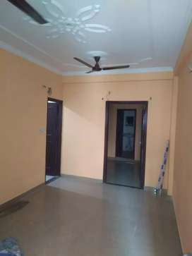 Noida prime location 2bhk flat for rent