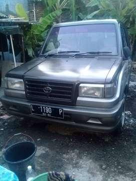 Mobil Kijang 1994