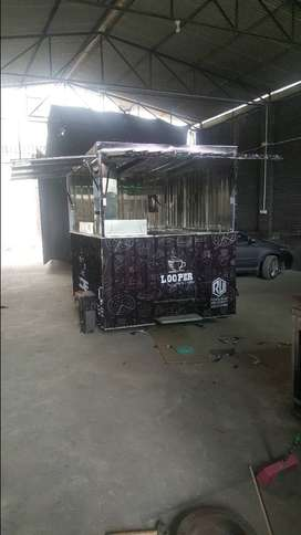 Fast Food, Chinese and Pakistani Cuisine Trailers and Trucks