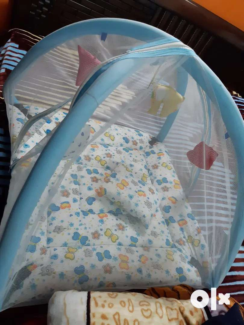 Infant bedding with mosquito net cover 0