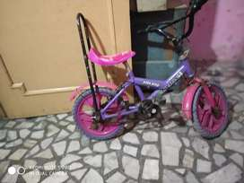 Kid cycle in good. Condition