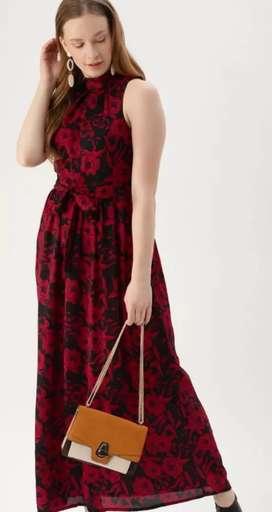 women black floral print dress