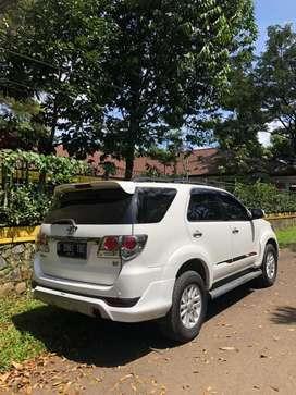 Di jual cepat BU mobil Toyota Fortuner G Trd Bensin putih tahun 2012