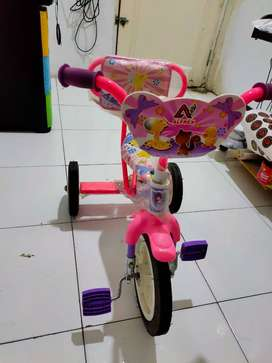 sepeda roda tiga bekas