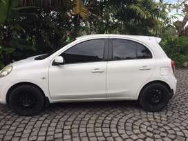 Nissan March XS