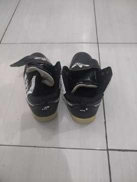 Sepatu anak masih layak pakai