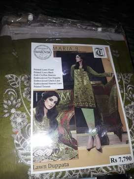 Ladies Lawn Cotton Embroided  3pcs suits