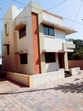 Rent#G+1 Bunglow with 3 M. Bed, furnish kitchen, car+ 2 wheel parking.