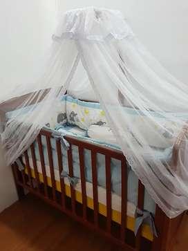 Tempat tidur bayi ( box bayi bekas )
