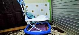 baby walker bisa jadi meja makan