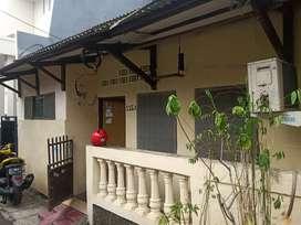 Disewakan rumah per tahun di Salemba Tengah akses Jakarta Pusat