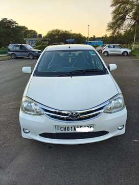Toyota Etios Liva 1.2 VX, 2012, Petrol