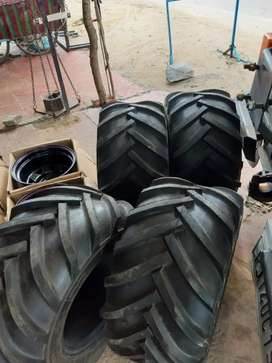 Big tractor grip tyre   modified thar Jeep Gypsy fit in all modified