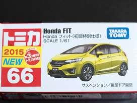 Tomica Honda Fit atau Honda Jazz Kuning