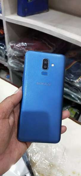 64gb 4gb Samsung J8 in 64gb 4gb