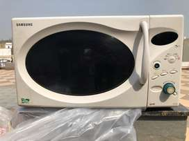 Microwave oven big size 28L