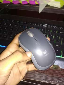 Logitech wireless optical mouse in mint condition
