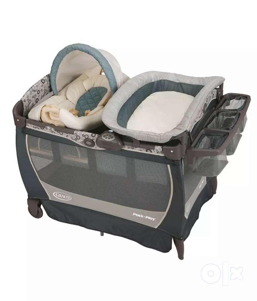 GRACO Pack and Play yard with diaper changing station 0