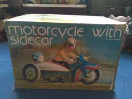 Box motorcycle with sidecar