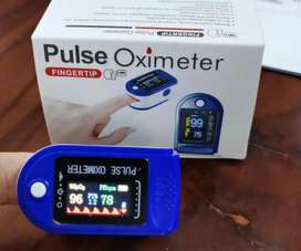PULSE OXIMETER WITH 3 MONTH WARRENTY