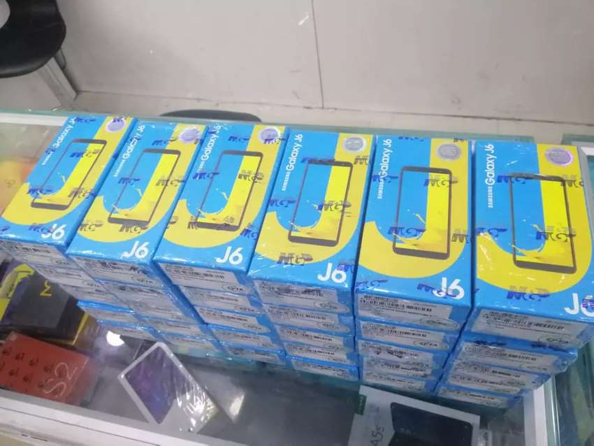 Samsung J6 Box Pack with one year warranty in all colours 0