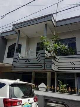 Rumah Cantik Bagus Luas Tanah 135 Meter di Komplek Rawamangun