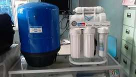 Mesin dispenser air minum reverse osmosis (RO)