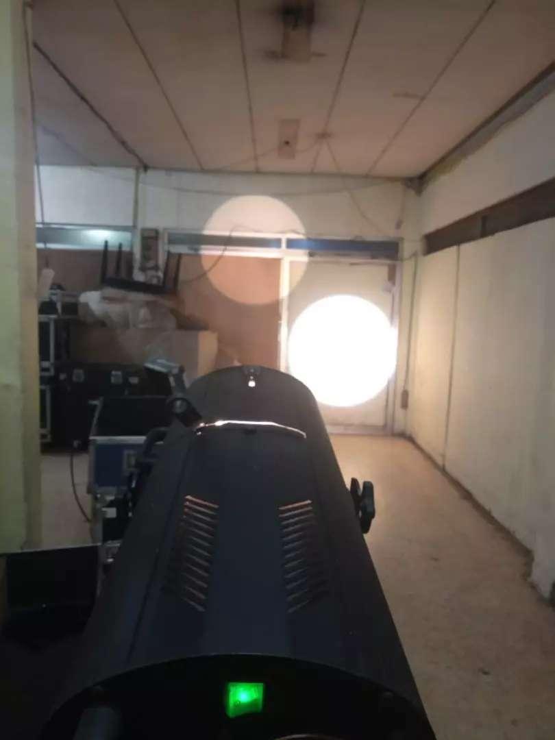 DTS Moon 1000 Watt Follow Spot 0