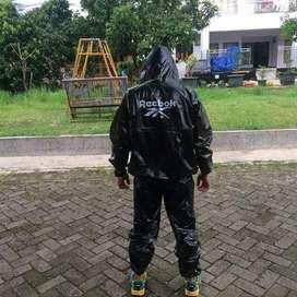 Jas Hujan Hitam