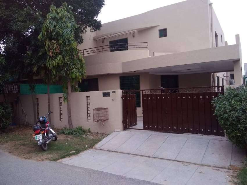10 MARLA HOUSE FOR RENT IN DHA PHASE-04 0