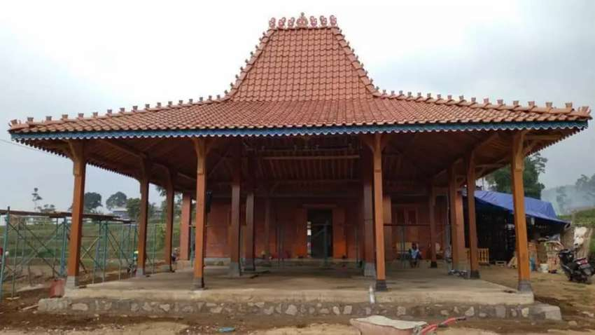 Bangunan Pendopo Joglo dan Rumah Kayu Jati Joglo Gebyok Ukir Jepara 0