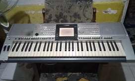 Dijual keyboard yamaha psr 3000 minus layar saja. Bisa nego harga..