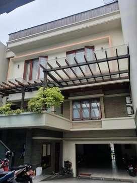 Rumah di Jakarta Selatan Tebet Super Mewah dekat Kemang dan Kuningan