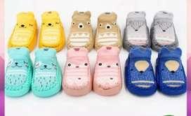 Prewalker sepatu kaos kaki bayi
