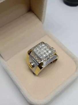 Cincin cowo bermata berlian