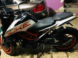 White ktm duke 390 full condition