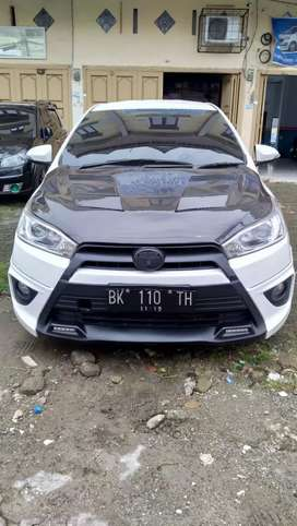 Toyota yaris strd 2014