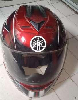 Helm yamaha bagus