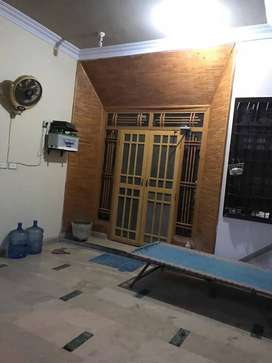 300 Sq.yards 6 bed DD Banglow For Sale in Jauhar VIP Block 13