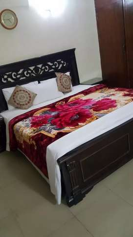 Room available for rent near Golda Darbar per day charge