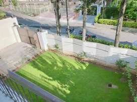 F-10 5 Bed Full House Fully Marble Decent Lawn Inside Close End Street