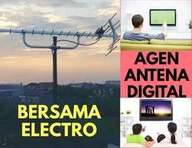Teknisi menerima pasang sinyal antena tv murah