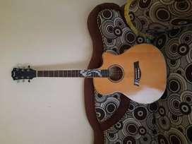 Gitar taylor akustik